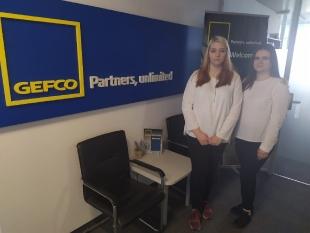 Klaudia i Izabela w dziale zarządzania kredytami w międzynarodowej firmie logistycznej GEFCO BULGARIA.