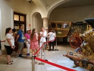 Uczniowie poznawali kulturę, historię oraz sztukę hiszpańską zwiedzając takie muzea jak: Muzeum Historii Walencji, Muzeum Sztuk Pięknych, Muzeum Jedwabiu, Instytut Sztuki Nowoczesnej, Muzeum Porcelany.