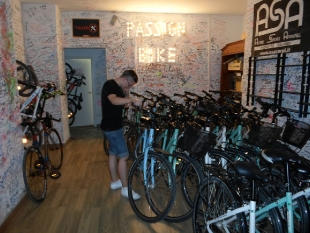 Bartek w pracy w firmie Passion Bike